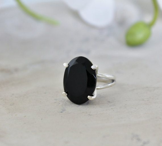 black onyx ring,sterling silver ring,silver gemstone ring,cocktail ring,black ring,vintage ring,silver and black jewelry on Etsy, $84.00