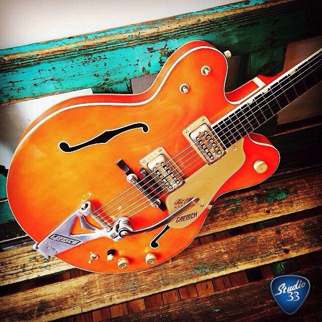 361 best images about elvis presley guitar on pinterest cherries gretsch and left handed. Black Bedroom Furniture Sets. Home Design Ideas