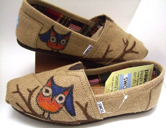 Custom painted OWL Burlap TOMS Shoes by BriteEyedBushyTailed, $90.00  omg. i LOOVVE theese!