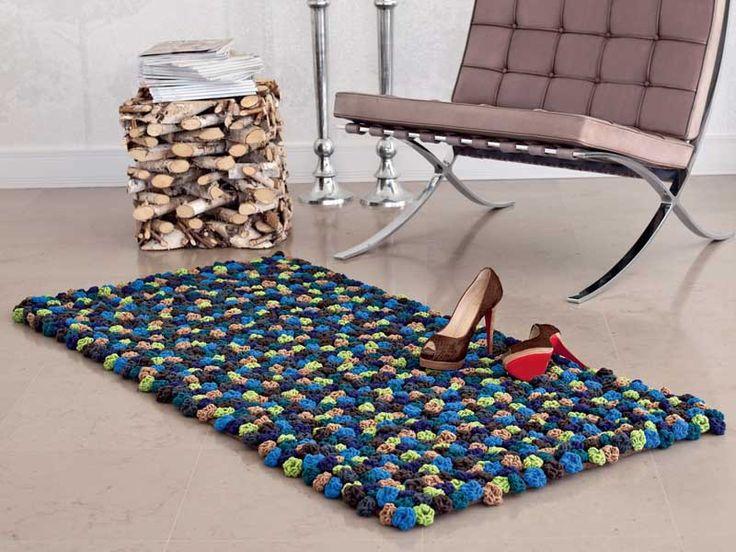 Схема и описание вязания крючком коврика из бутонов из журнала «Verena. Модное вязание» №3/2013