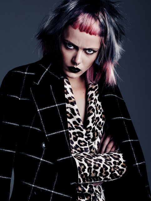 147 Best Grunge Punk Goth Funk Rock N Roll Hairstyles Images On Pinterest Grunge Roll