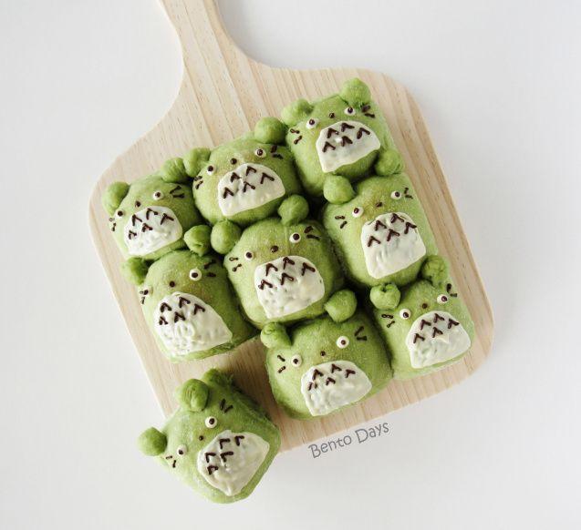 日本人のごはん/お弁当/パン Japanese meals/Bento/Bread トトロ抹茶パン Totoro matcha pull-apart bread buns