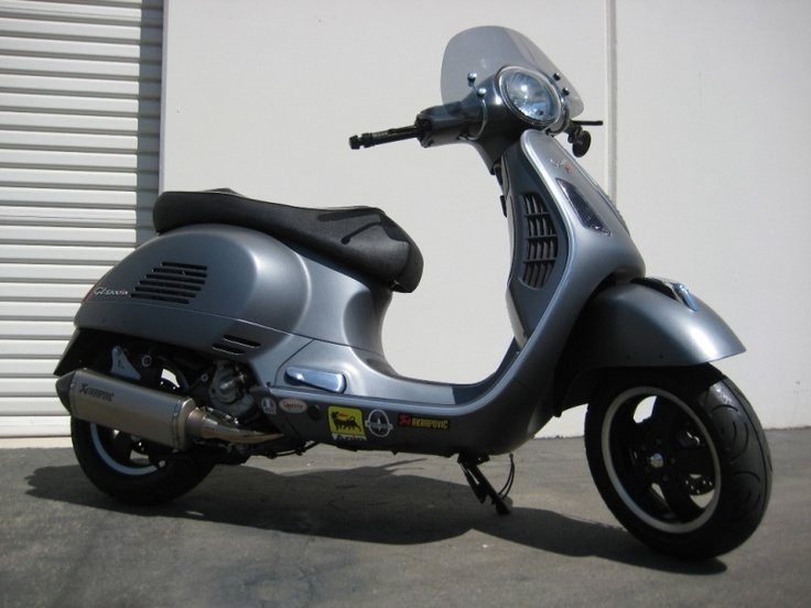 modern vespa teaser akrapovic exhaust on matte grey. Black Bedroom Furniture Sets. Home Design Ideas