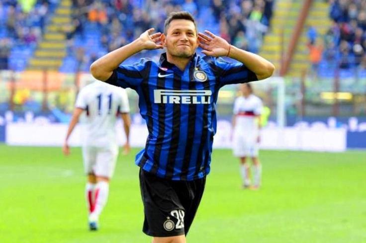 Mauro Zarate con un gran gol convertido hoy ante el Genoa