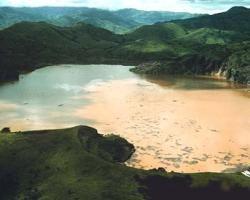 How did Lake Nyos suddenly kill 1,700 people? (DOC)