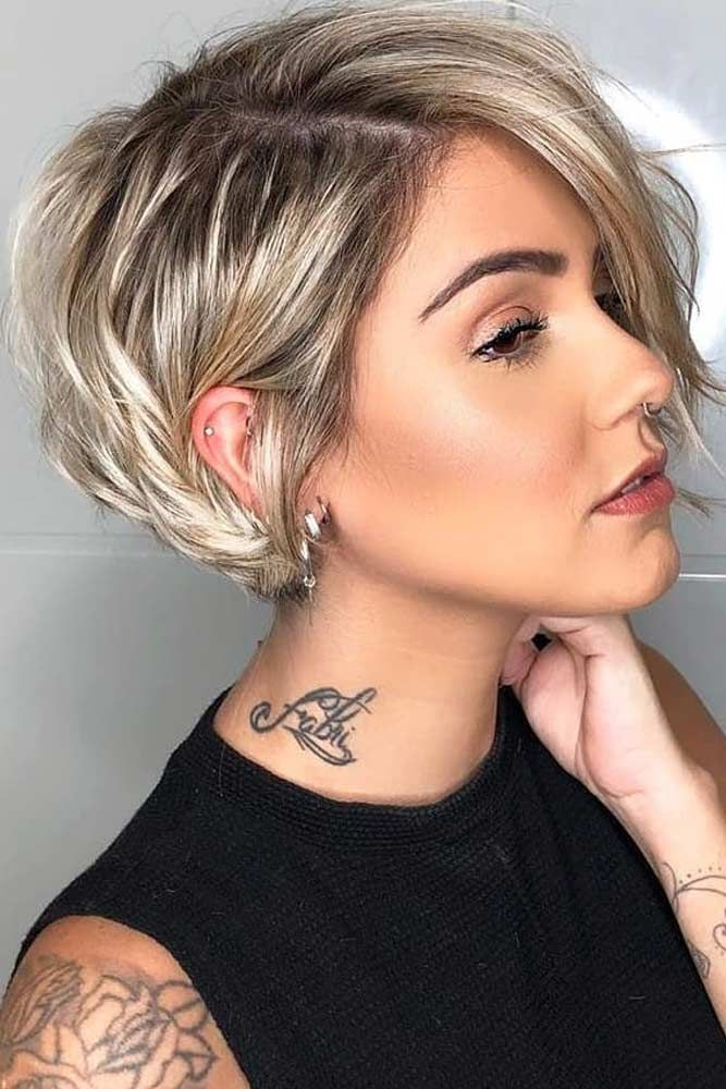 Side Parted Layered Pixie Bob #LayeredHaircuts #La…