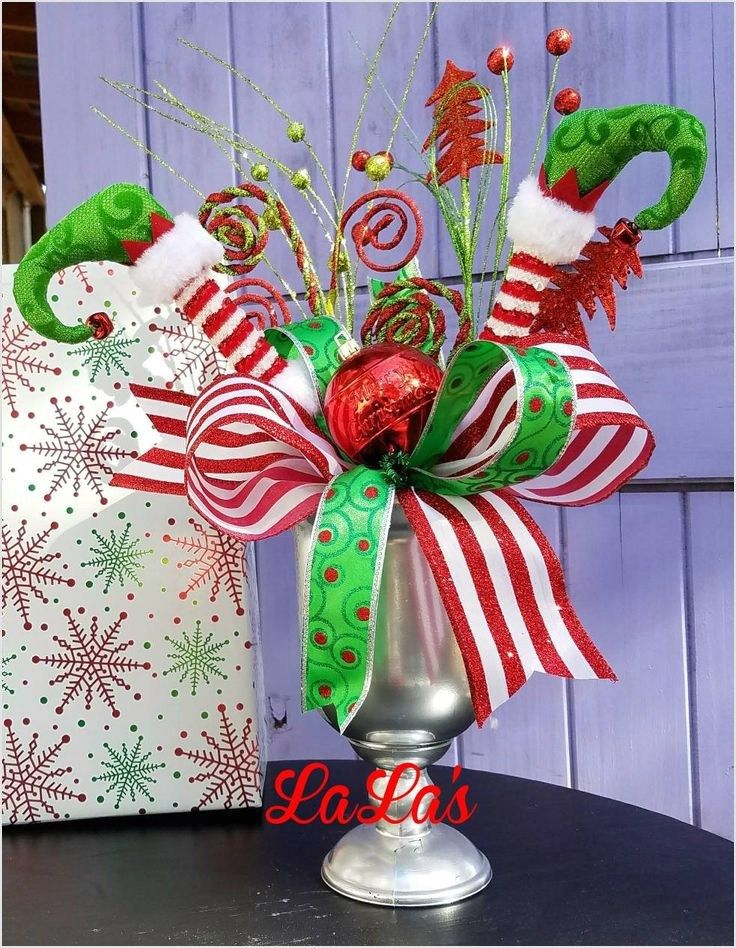 Best 34 Whimsical Christmas Table Decorating Ideas 59 Best 25 Whimsical Chri Whimsical Christmas Decor Grinch Christmas Decorations Christmas Table Decorations