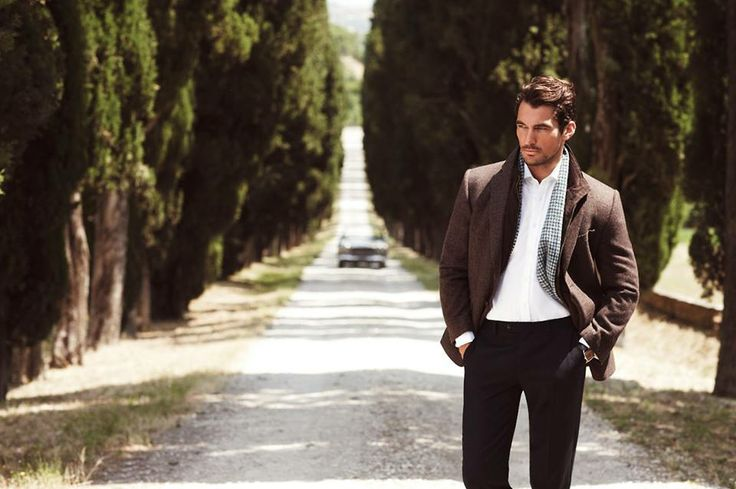 Another lovely pic of Enrico (David Gandy) from REVENGE.