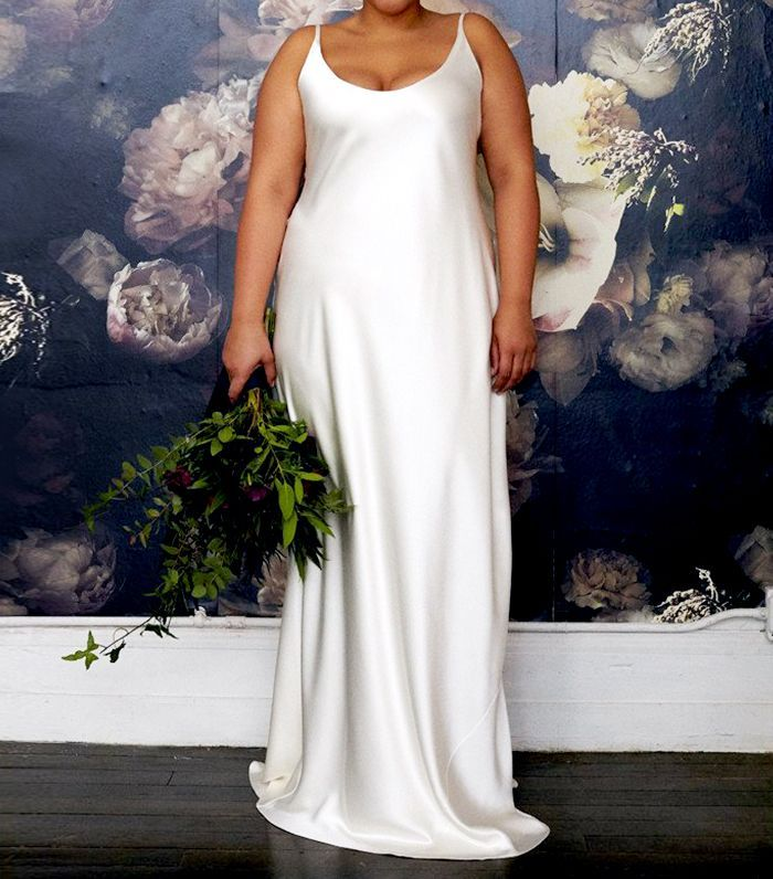 19 Beautiful Wedding Dresses You Can Buy Off The Rack Plus Wedding Dresses Size 12 Wedding Dress Plus Size Wedding Gowns