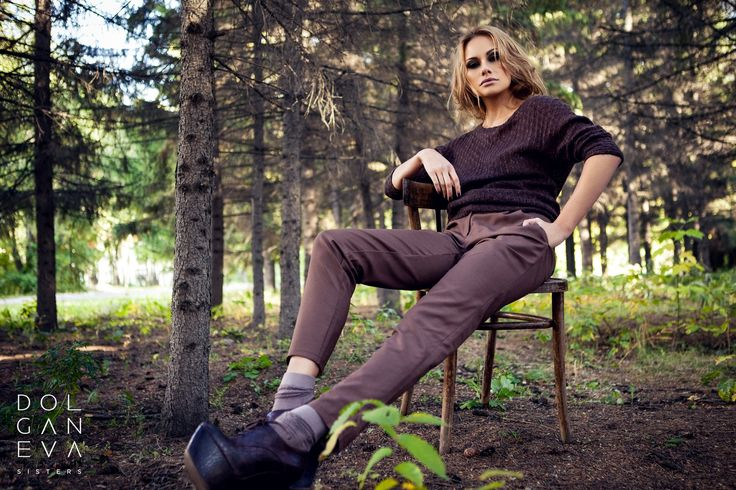 Свитер / шерсть 100% Брюки  / шерсть 100%. Sweater / 100% wool pants / wool 100%. Shooting girls in the forest