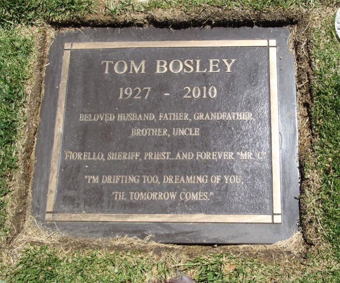 "Tom Bosley (1927 - 2010) Actor. He will be remembered for his role as the patriarch Howard Cunningham in the popular TV series ""Happy Days"" (1974 to 1984)."
