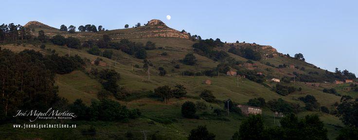 Las tetas de #Liérganes #Luna #Photopills #Cantabria #Panorámica