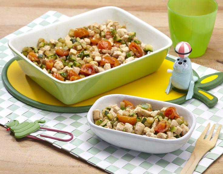 """Ricetta dei """"tocchetti di pollo con zucchine"""" che con pane e frutta è un'ottima alternativa per la cena, veloce, pratica e di gusto per tutta la famiglia"""