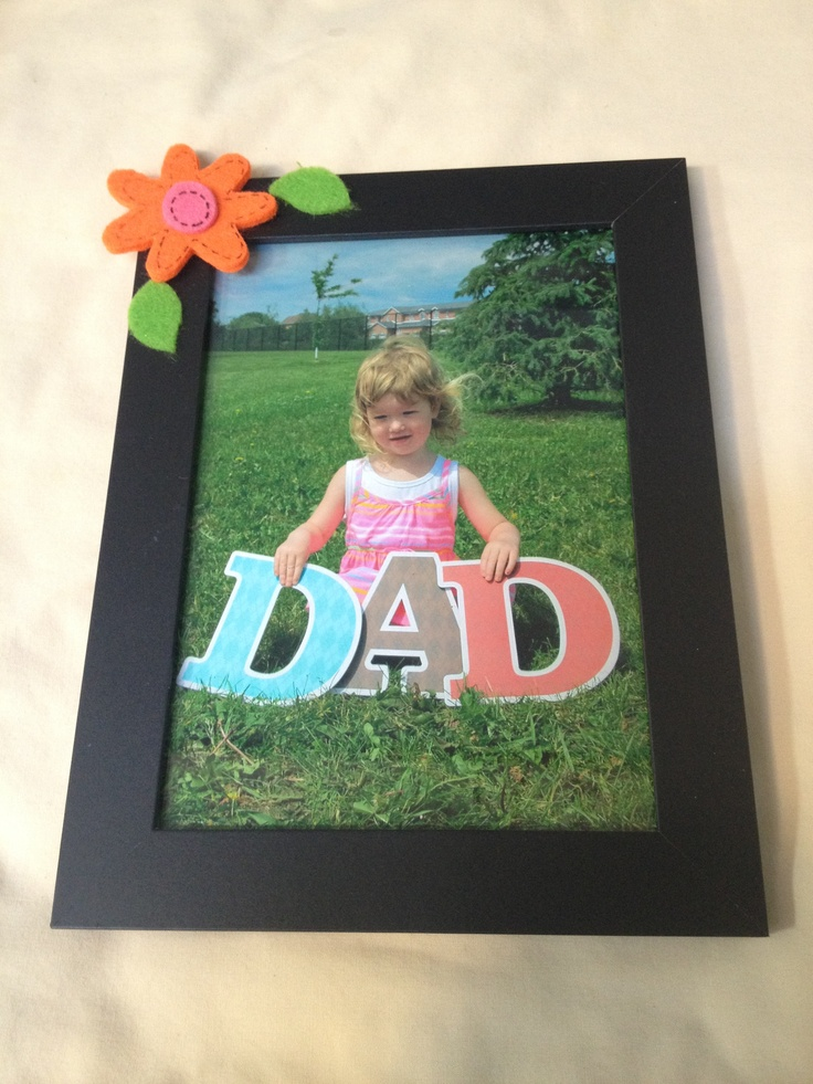 Here is a cute idea for Fathers Day. My daughters daycare made these. I think it's so cute!