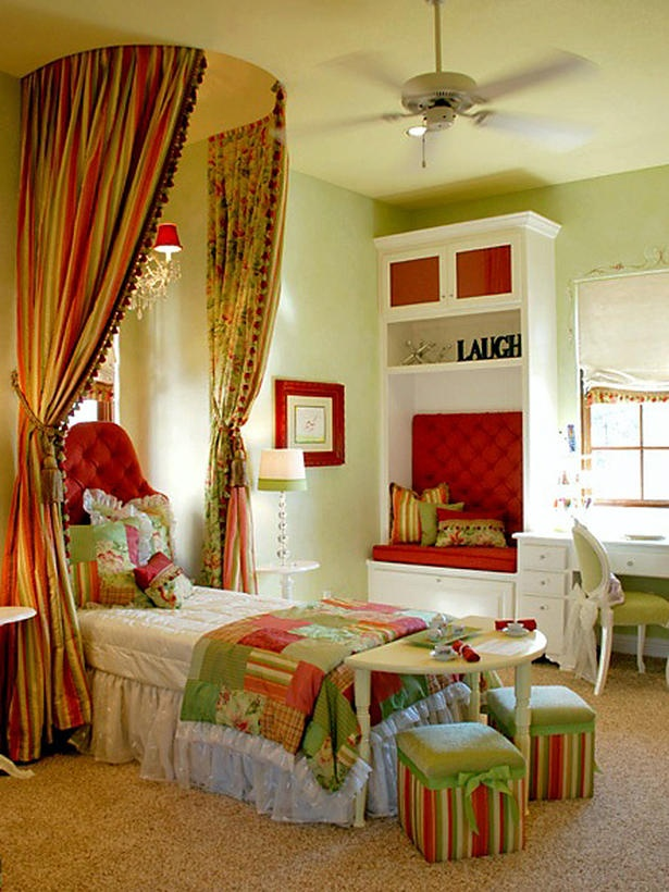 http://1.bp.blogspot.com/_j9gHg4JiVkw/TH-7OsuNwaI/AAAAAAAAALI/pfBRglhlKrc/s1600/rms_kid-color-red-bedroom_s3x4_lg.jpg