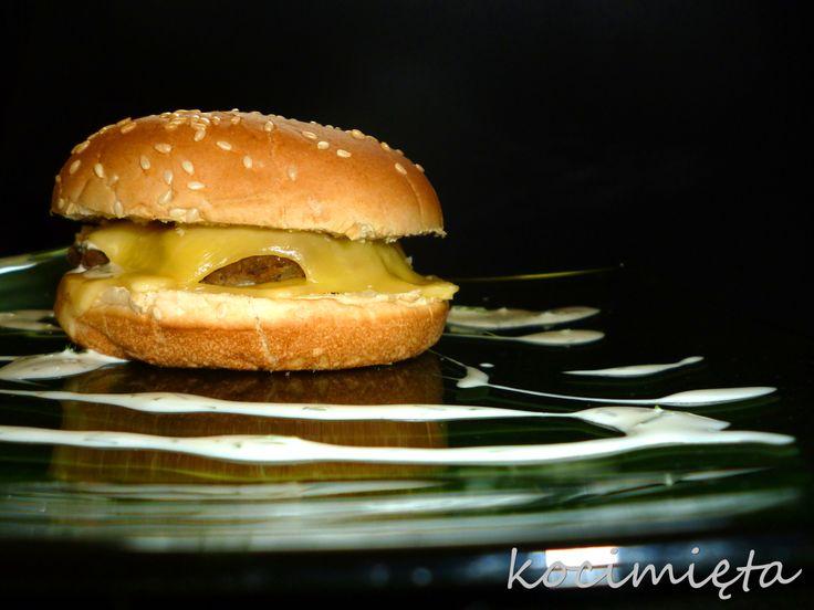 burger jarski przepis na http://www.kocimieta.pl/2014/01/burger-jarski.html