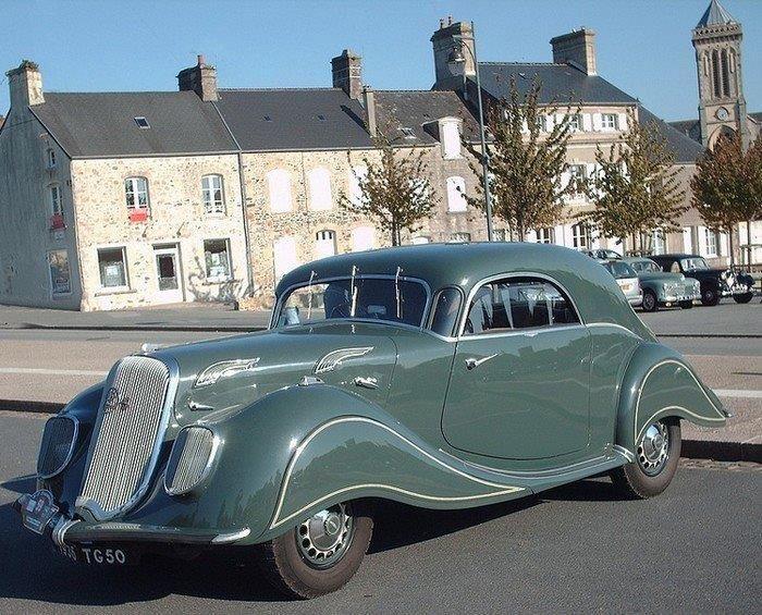 1938 Panhard.