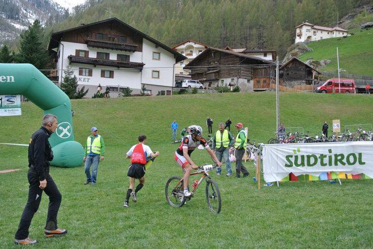 Ötzi Alpin Marathon 2014 - Wechsel von laufen auf das Rennrad