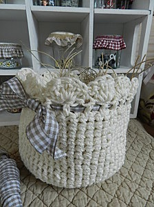 gorgeous crochet bag storage
