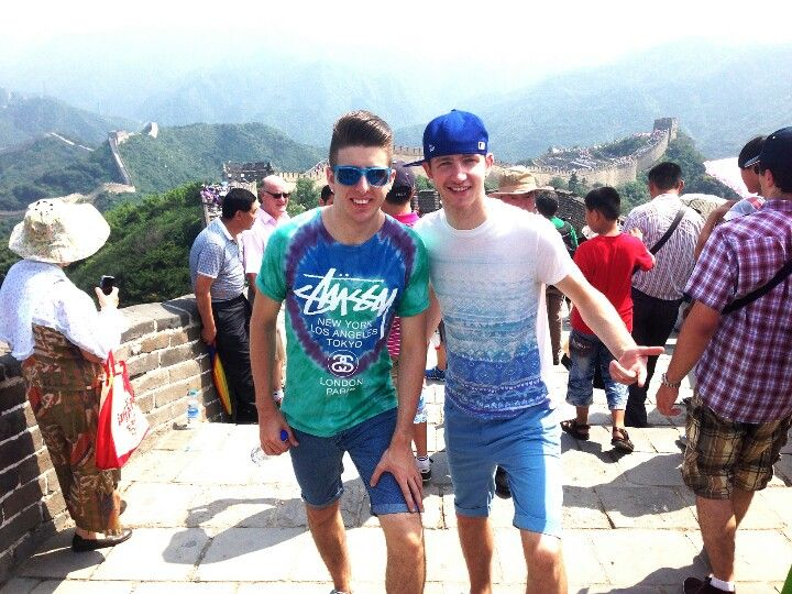 Twist and pulse at the Great wall of china