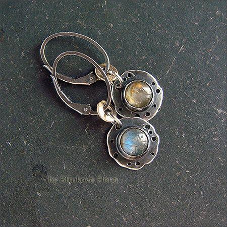 Strukova Elena - авторские украшения - Маленькие серьги с лабрадорами
