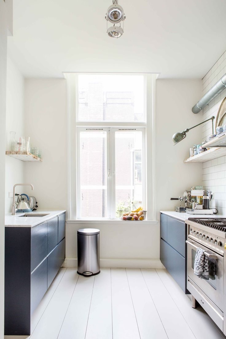 white galley kitchen with midnight blue cabinets and open shelves house tour on coco kelley - Kleine Galeere Kche Bilder Umgestalten