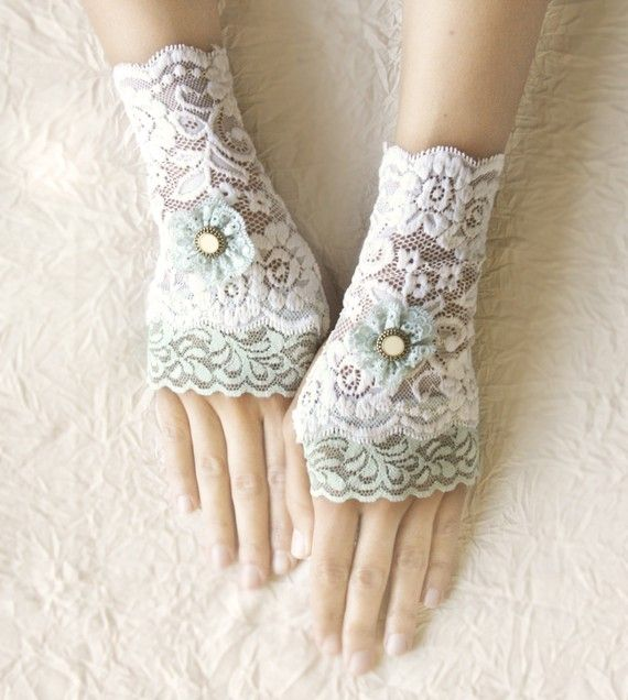 Delicate Lace Gloves | Mint ivory lace gloves fingerless off white cream mittens romantic ...