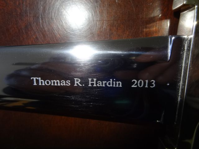 You must approach Gray Laser without wasting your precious time for getting personalized knife engraving services.