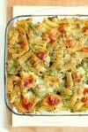 La pasta al forno con broccoli e scamorza è uno dei cavalli di battaglia di mia madre e probabilmente uno dei miei primi preferiti il che, detto da me (che potrei benissimo fare a meno…