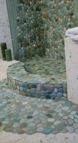 What a lovely outdoor shower this would make for a beach house.
