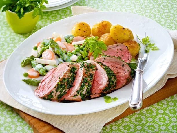 Unser beliebtes Rezept für Kräuter-Schweinefilet mit Leipziger Allerlei und Röstkartoffeln und mehr als 55.000 weitere kostenlose Rezepte auf LECKER.de.