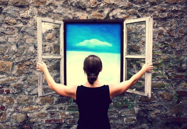 «Γράμμα σε σένα που βλέπεις το γκρίζο και χάνεις τα χρώματα» από τη Ράνια Θρασκιά.