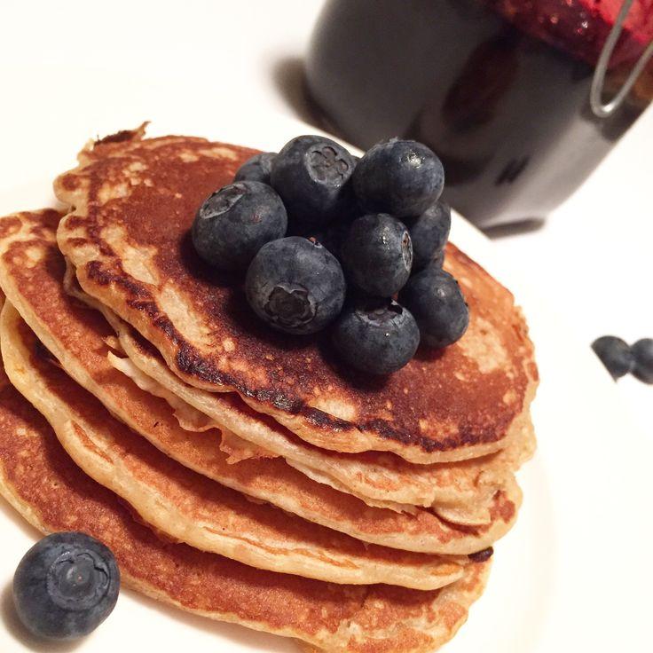 Gode lapper med havre og rug. Litt sunnere. De passer både til frokost, kveldsmat, i matpakken og til kaffebesøk. Server med litt godt syltetøy eller med brunost. Perfekt til matleie barn. Ingredienser: 2 egg 3,5 dl melk 1 dl havregryn (lettkokte) 1 dl rugmel 1 dl sammalt rug grovmalt 1 dl hvetemel 1/2 ts salt … Fortsett å lese Sunne lapper →