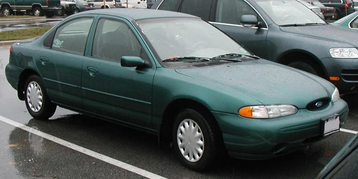 Ford Contour and the Mercury Mystique.  They were also known as the DETOUR and the MISTAKE.