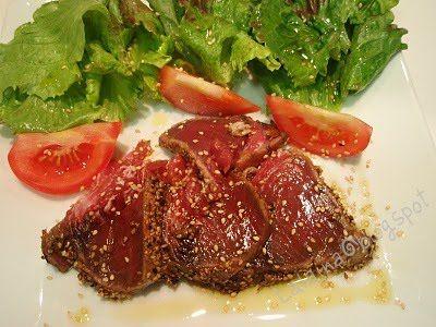 """750g vous propose la recette """"Tataki de thon"""" notée 5/5 par 3 votants."""