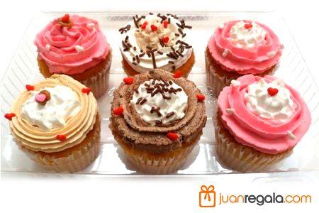 Viernes por la tarde... CupCakes... que antojo.  #cupcakeday #viernes