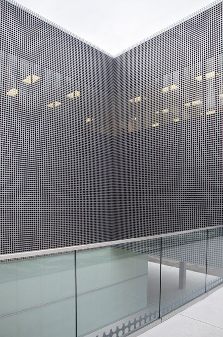Tampa Museum Of Art By Stanley Saitowitz Perforated