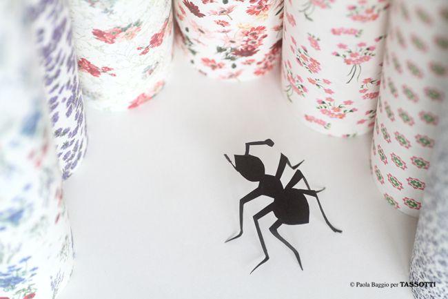 Formica- con carta Piccoli fiori di campo, Rododendro Viola, Siena, Danza di fiori, Anemone Rosa, Bouquet Liberty e Fiorata blu Tassotti by Paola Baggio