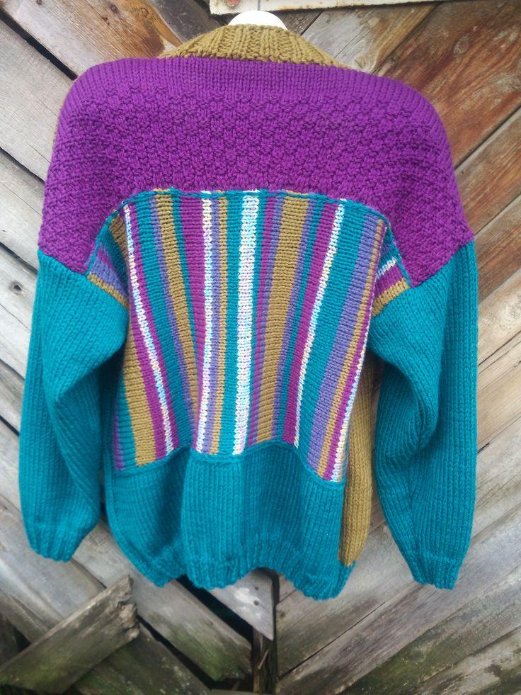 авторский свитер,связан вручную из шерсти,спинка