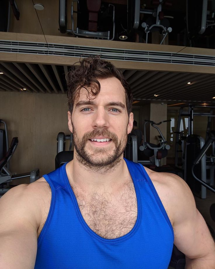 """Henry Cavill (@henrycavill) on Instagram: """"Just finished a quick workout before my first day of press in Beijing for Justice League! Here we…"""""""