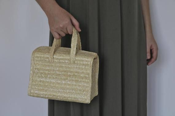 Small straw handbag with handles, handmade purse, summer handbag, beach bag, handmade in Portugal.