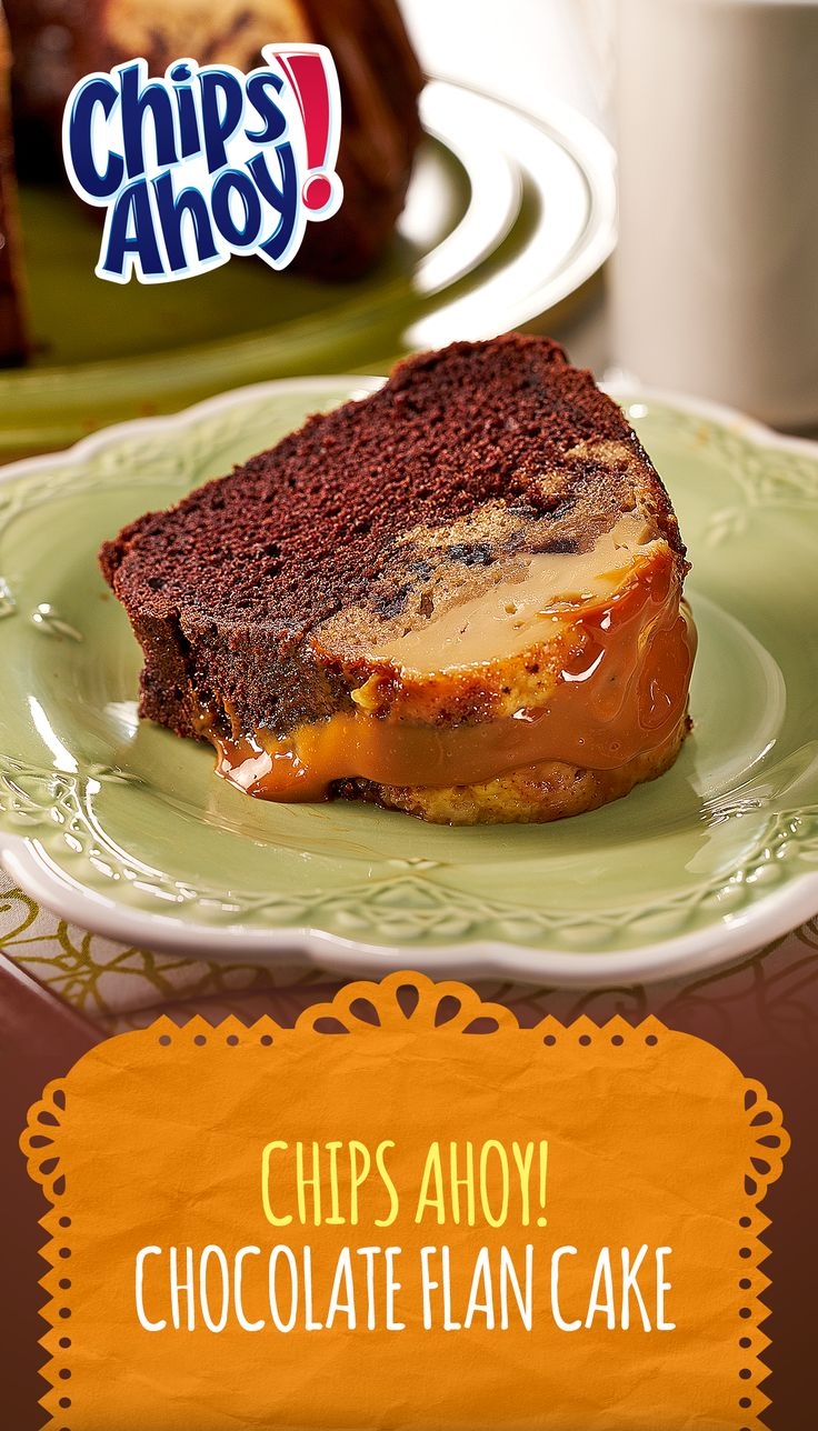 """If there were a """"major merienda moments"""" award, this rich chocolate flan cake made with Mexican dulce de leche caramel sauce and CHIPS AHOY! Cookies would win the prize! Let your family be the judge!"""