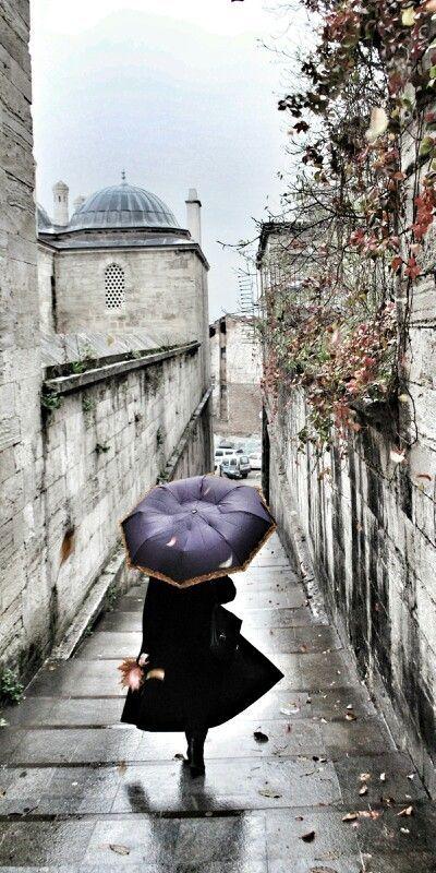 bellasecretgarden:  Istanbul's historical streets…