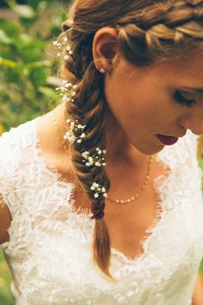 Side braid with the little hair flowers - Wedding inspirations