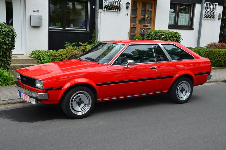 477592735459076978on 1976 Toyota Corolla