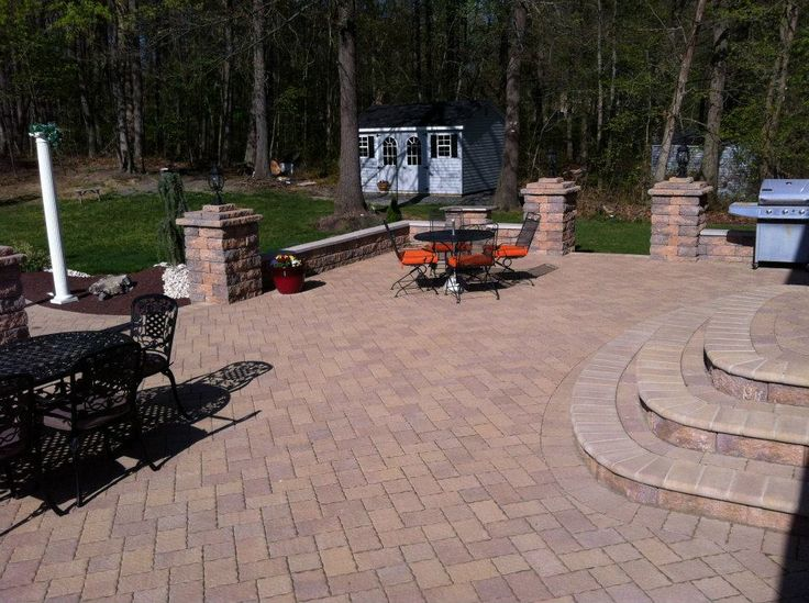 17 best images about paver brick patio on pinterest for Garden paver designs