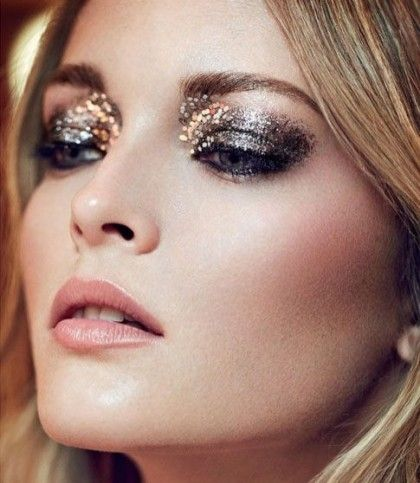 { dark smoky eye with gold glitter }