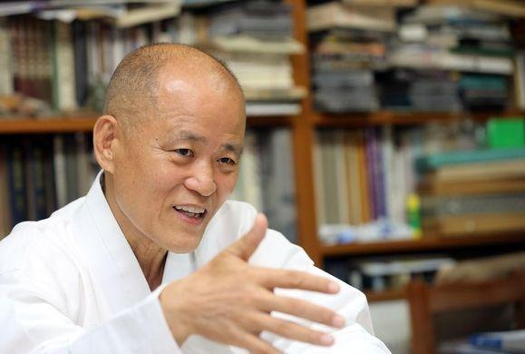 """[김지수의 인터스텔라] '통속'의 철학 대가, 도올 김용옥 """"나는 독설가 아닌 정직하게 말하는 사람"""""""