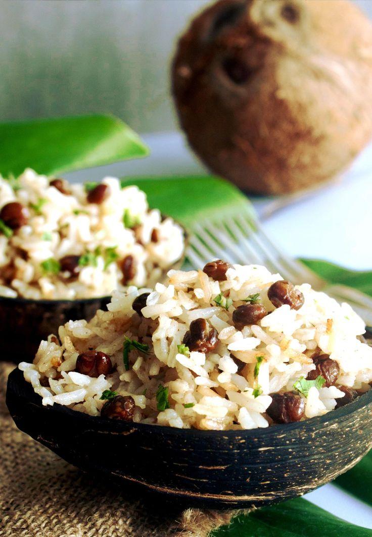 Arroz con Guandú y Coco (Rice with Pigeon Peas and Coconut Milk).