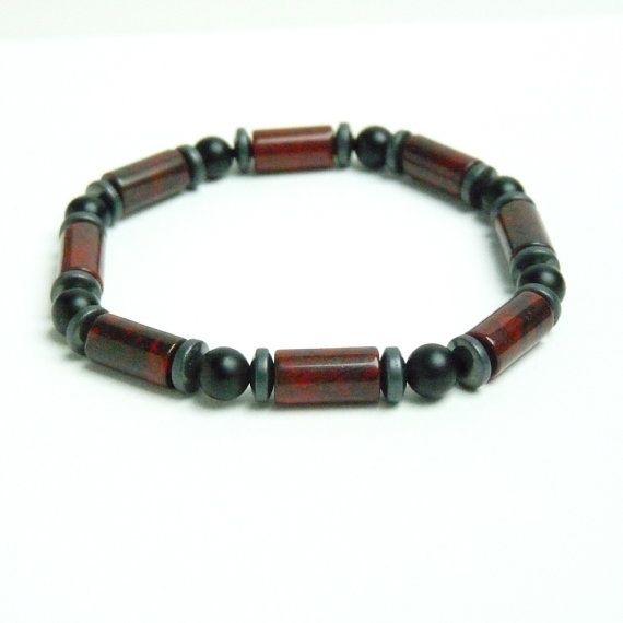New men's bracelet: red Jasper, onyx and hematite https://www.etsy.com/fr/listing/385517144/bracelet-pierres-pour-homme-rocker